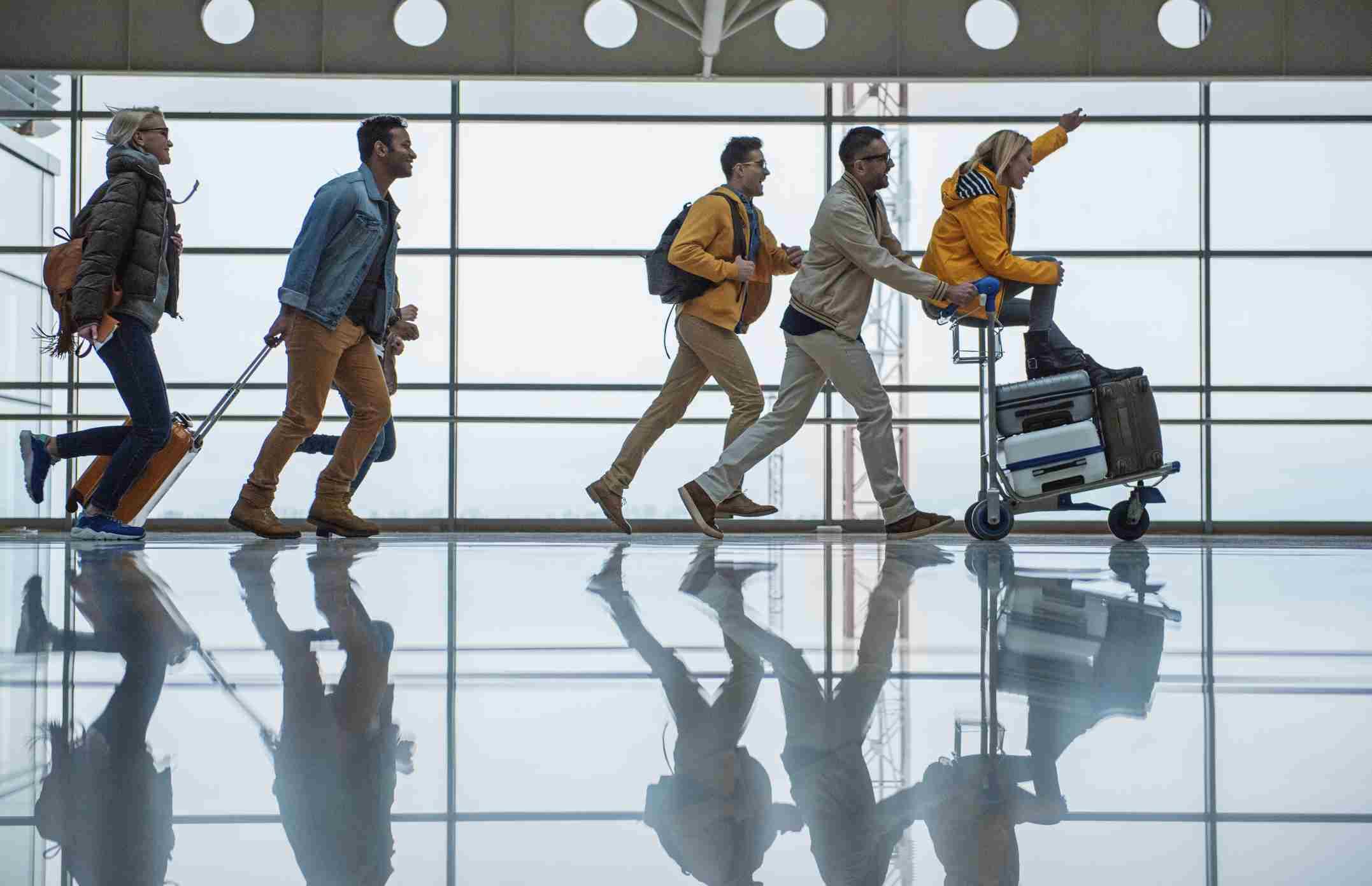 Reisegruppe am Flughafen