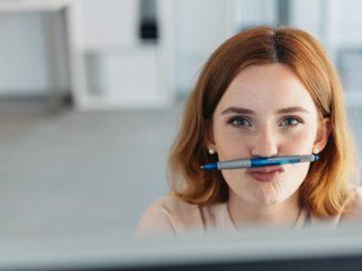 Geschäftsfrau am PC