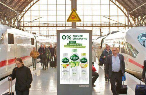 Wie funktioniert eigentlich digitale Werbung am Bahnhof?