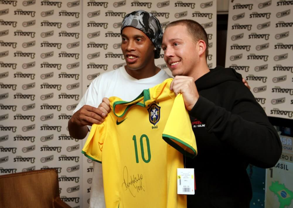 Gil Grobe meets Ronaldinho