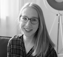 Mitarbeiterfoto von Isabell Kopka in Schwarz Weiß