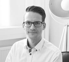 Mitarbeiterfoto von Kai Mierswa in Schwarz-Weiß