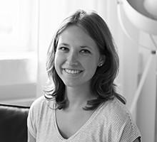 Mitarbeiterfoto von Lenelotte Sudbrack in Schwarz-Weiß