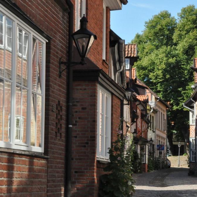Aufnahme von Häuserfassaden in der Altstadt Lüneburg