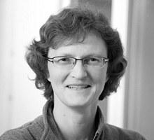 Mitarbeiterfoto von Ulrike Moeller in Schwarz-Weiß
