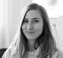 Mitarbeiterfoto von Leandra Granzow in Schwarz-Weiß