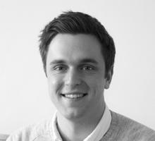 Mitarbeiterfoto von Lukas Schumacher in Schwarz-Weiß