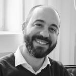 Mitarbeiterfoto von Moritz Döring in Schwarz-Weiß