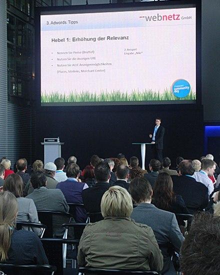 Sebastian Loock gibt Adwords Tipps bei Shopware Seminar