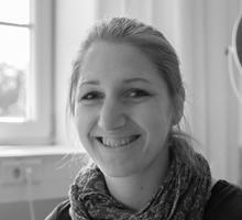 Mitarbeiterfoto von Sinja Piecuch in Schwarz-Weiß
