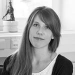 Mitarbeiterfoto von Vanessa Krause in Schwarz-Weiß