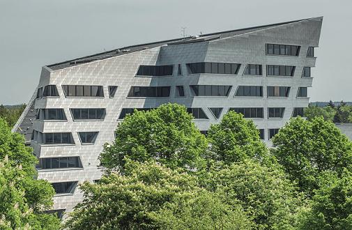 web-netz macht den Uni-Check: Social Media Performance und mobile Sichtbarkeit norddeutscher Hochschulen